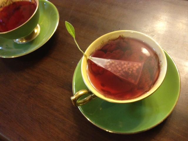 20140321葉っぱのついた紅茶11
