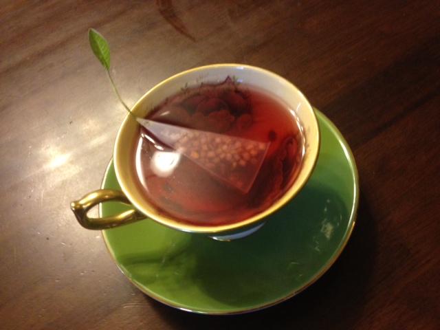 20140321葉っぱのついた紅茶12