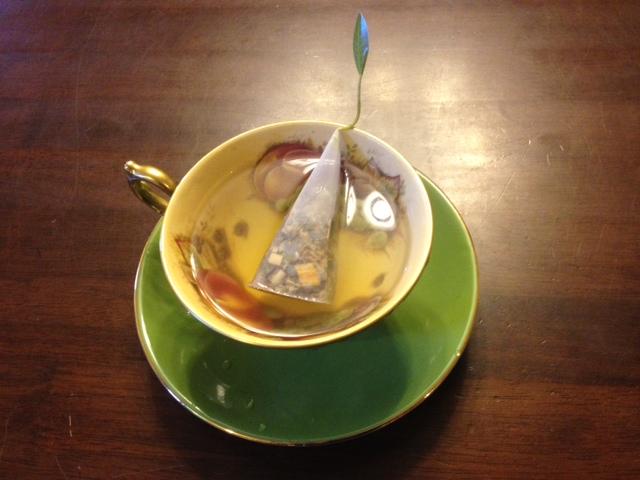 20140321葉っぱのついた紅茶19