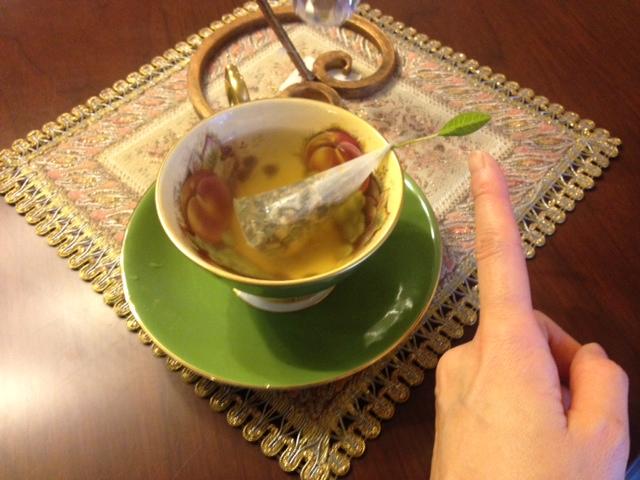20140321葉っぱのついた紅茶20