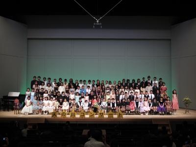 2012年4月15日眞對れいこピアノ教室発表会集合写真