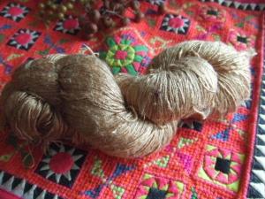 カンボジアのシルク糸