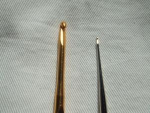 かぎ針のサイズも全く違います