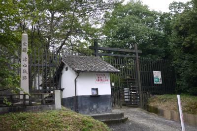 津山城 大戸櫓跡櫓台が見える側入り口