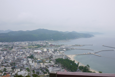 天守台からの洲本港の風景