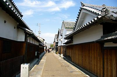 堺町 日本の道百選顕彰碑