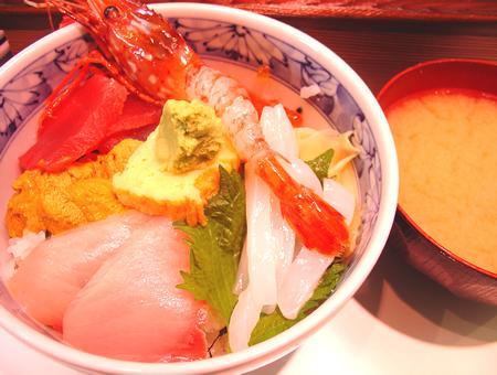 築地かんの | 季節の海鮮丼