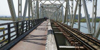 通称「赤川鉄橋」です