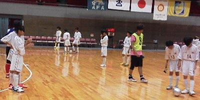 ブラインドサッカーを体験