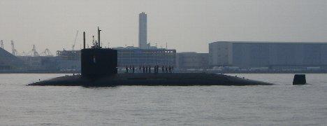 ぉおっ! 潜水艦が…