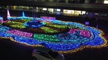 阪急の駅前にて