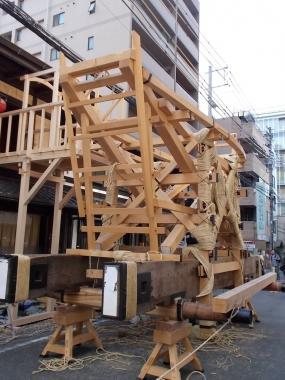 大船鉾、鉾建て