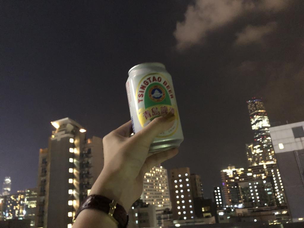 香港夜景とビール