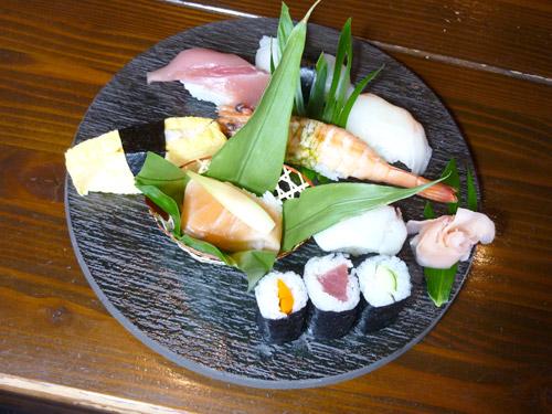 寿司「黒陶石目26�丸皿」