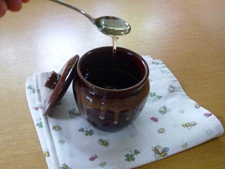 「茶1号カメ(100cc)」とハチミツ