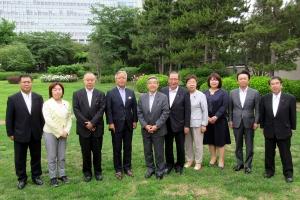 在中国日本国大使館を訪問