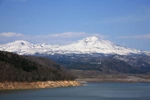 凛とした姿を見せてくれた大雪の山々