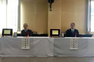 富良野市功労者表彰を受賞された岡野氏(右)と渡部氏(左)