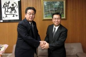 中富良野町では小松田町長と意見交換