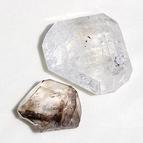 ブラジル産スモーキーエレスチャル原石