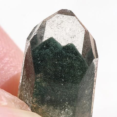 グリーンファントムクオーツ原石