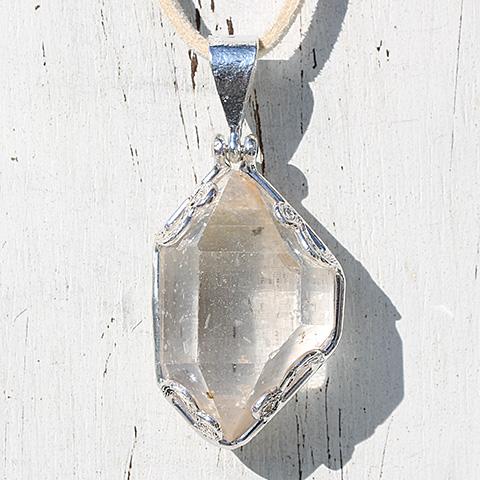 水晶原石・ネックレス