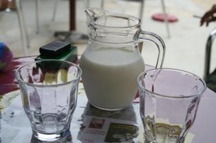 絞りたて牛乳