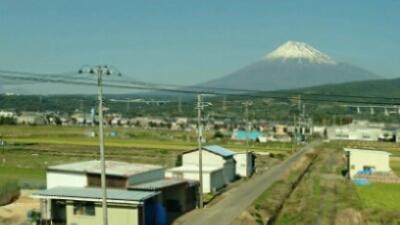 富士山は雪化粧