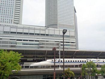 曇りの名古屋駅