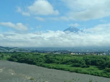 富士山は頭だけ