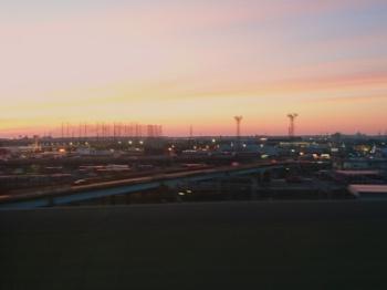 車窓からの夕焼け(19時20分)