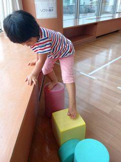 児童館で遊ぶ