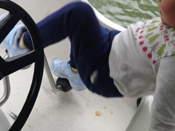 足こぎボートに挑戦
