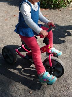 初の三輪車