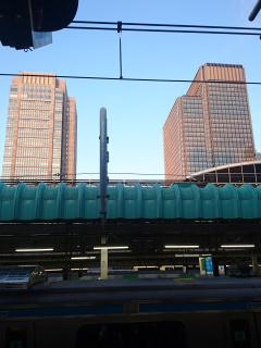 朝の東京駅