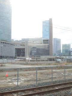 大阪駅を裏側(北側)から