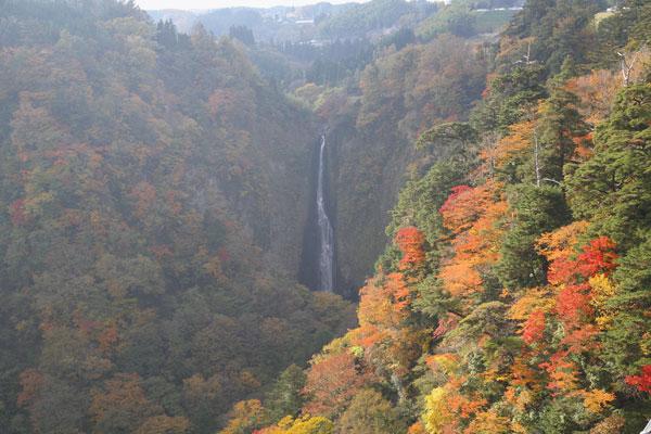 震動の滝 雄滝