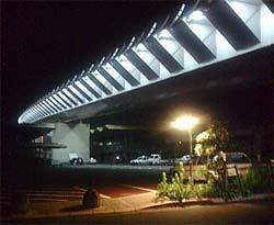 ライトアップされたハイヤ大橋