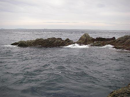 突端ハナレの東側を目の前に見ながらの釣りです