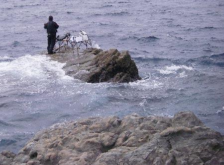 強風の中頑張るカブリの釣り人