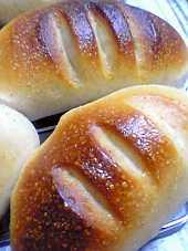 「クリームパン」の焼き上がりです