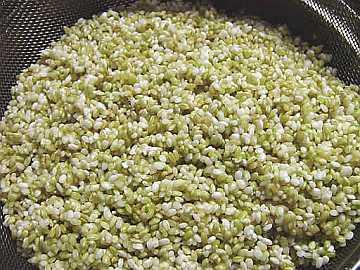 3分搗きの「緑米」