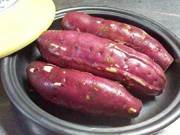さつま芋を並べる