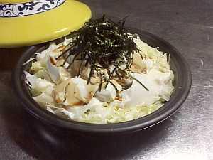 蒸しあがったら、醤油と刻み海苔を。