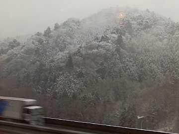 雪の中央道