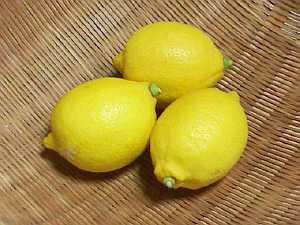 国産のレモンを使います