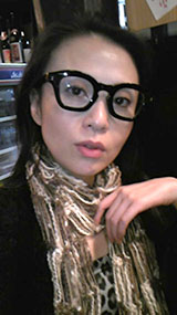 サングラスは沢山所有していますが、伊達メガネも購入しようかなぁ?