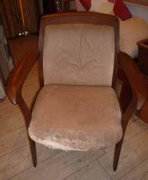 椅子張替え 前