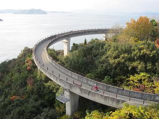 241124来島大橋への登り