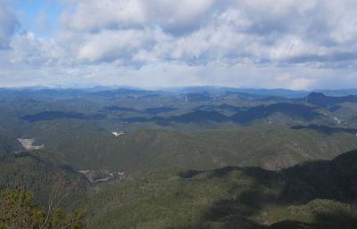 251228山の上の雲